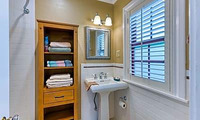 Bathroom, 225 Pershing Way, 2
