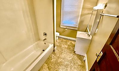 Bathroom, 722 Baker Ave, 2