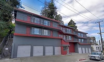 Building, 635 MacArthur Blvd, 2