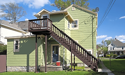 Building, 815 Columbia Ave, 2