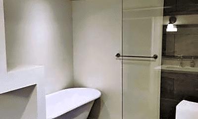 Bathroom, 8501 SW Capitol Hwy, 2