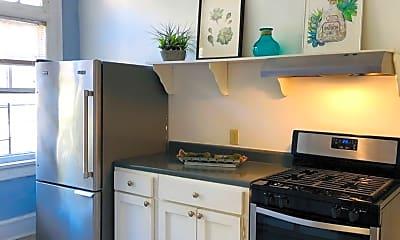 Kitchen, 934 Ponce De Leon Ave NE, 1