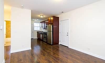 Kitchen, 4715 W Cornelia Ave, 1