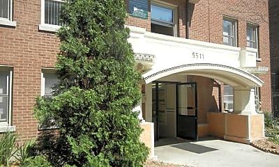 5511 N Kenmore Ave, 1