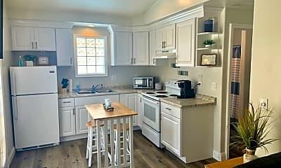Kitchen, 541 Oak St, 2
