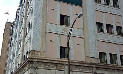 Macartovin Apartments, 2