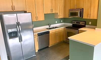 Kitchen, 1635 Washington Ave, 1