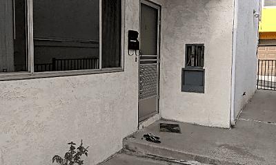 Patio / Deck, 1009 E Grand Ave, 0