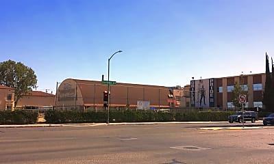 Building, 2121 California Ave, 2