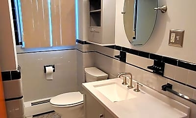 Bathroom, 38 Pitman St, 2
