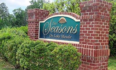 Community Signage, The Seasons on Lake Meade, 2
