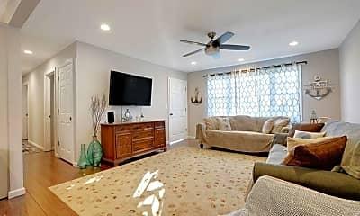Living Room, 272 Hearn Ave, 1