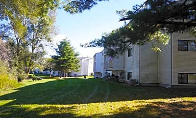 Building, Country Knoll Apartments, 0