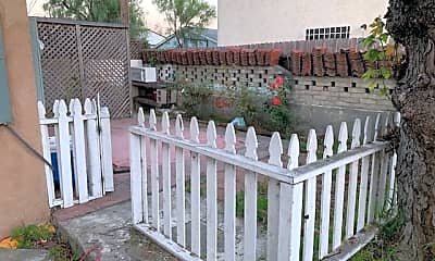 Patio / Deck, 3541 Ray St 1/2, 2