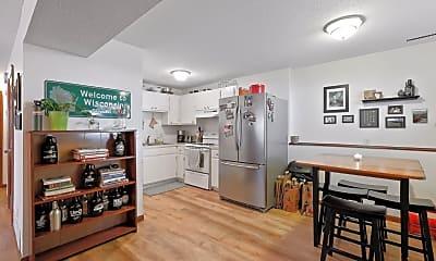 Kitchen, 2212 Harriet Ave 2, 0