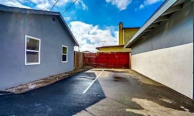 Building, 13840 1/2 Arthur Ave, 2