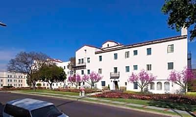 Linda Vista Apartments, 1