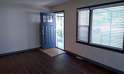 Living Room, 4327 Paseo Blvd, 1