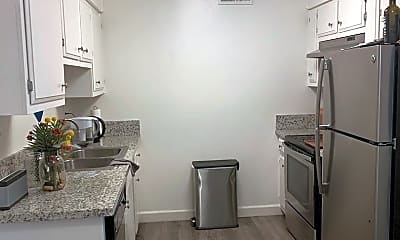 Kitchen, 5241 Marconi Ave, 2