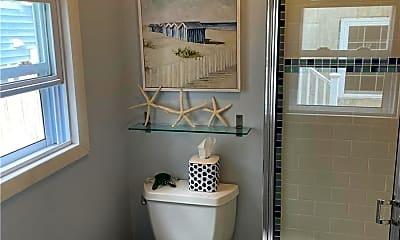 Bathroom, 25 Arizona Ave, 2