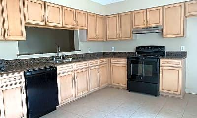 Kitchen, 127 Kingspoint Blvd, 1