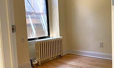 Living Room, 339 E 82nd St 2-A, 1