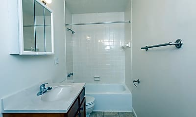 Bathroom, Brockport Landing Apartments, 2