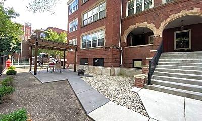 Building, 5808 N Winthrop Ave, 1