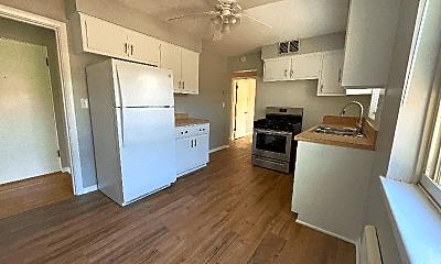 Kitchen, 306 S Austin Blvd, 1