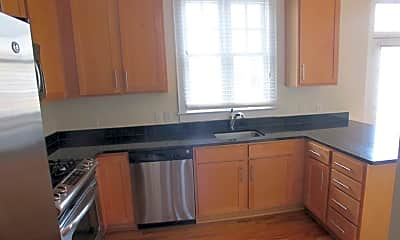 Kitchen, 2216 Lyndhurst Ave, 1