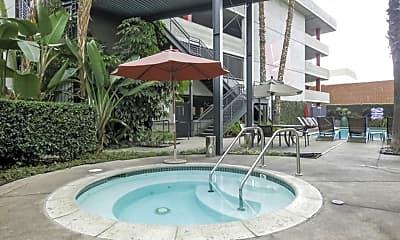 Pool, 420 San Pedro St 506, 2