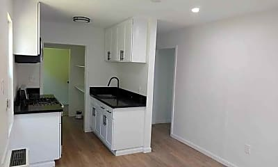 Kitchen, 446 N California St, 1