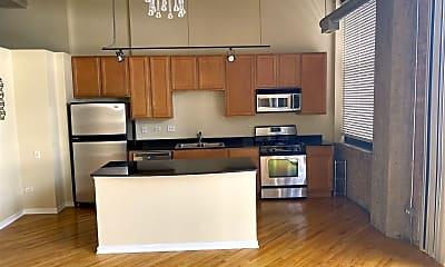 Kitchen, 210 S Desplaines St APT 304, 0