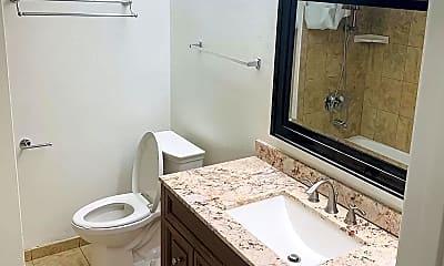 Bathroom, 9135 Beverlywood st, 2