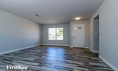 Living Room, 4843 W Mountain View Rd, 1