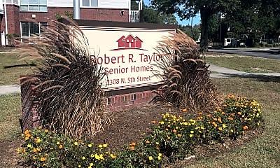 Robert R Taylor Senior Homes, 1