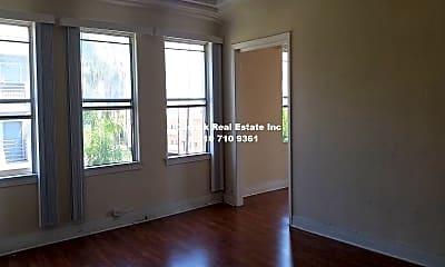 Living Room, 3706 W 4th St, 2