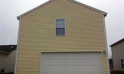 Building, 826 Colonial Way, 2