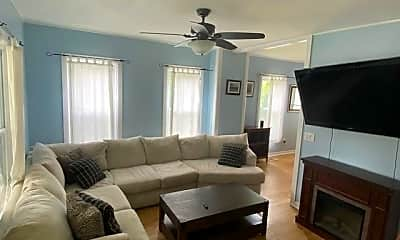 Living Room, 131 Lincoln Ave, 1