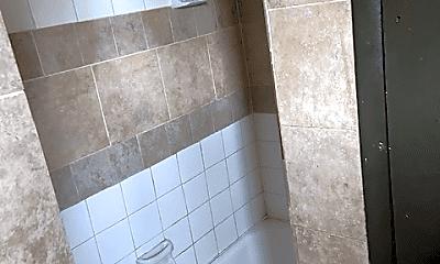 Bathroom, 817 Burke St, 1