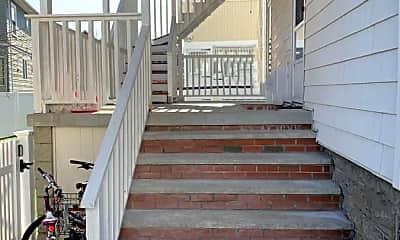 Patio / Deck, 6 Maplewood St, 1