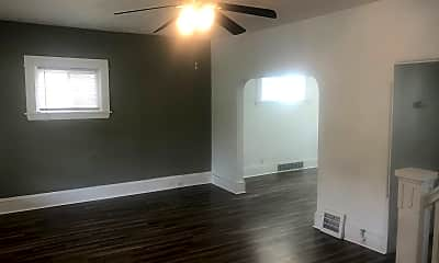 Living Room, 2082 W 91st St, 1