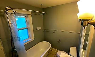 Bathroom, 15 E 8th St, 2