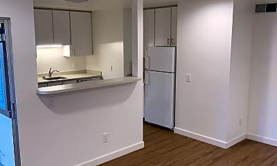 Kitchen, 2813 St Paul Dr, 1