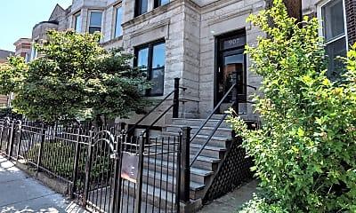 Building, 907 West Addison Street 2, 0