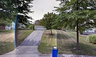 5015 Middlesmoor Court, 1
