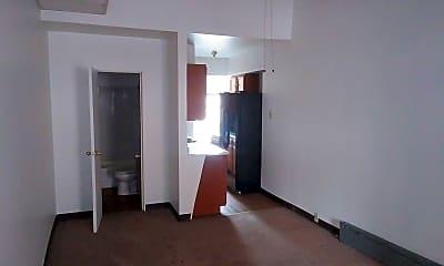 Kitchen, 4619 Liberty Ave, 1