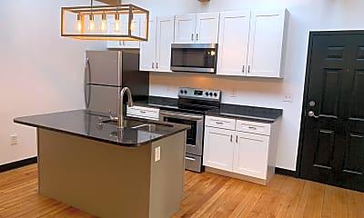 Kitchen, 548 Roosevelt Ave, 1