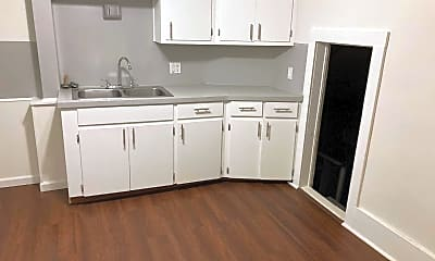 Kitchen, 711 Adler Rd, 1