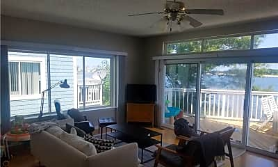 Living Room, 9522 Bay Front Dr A, 2